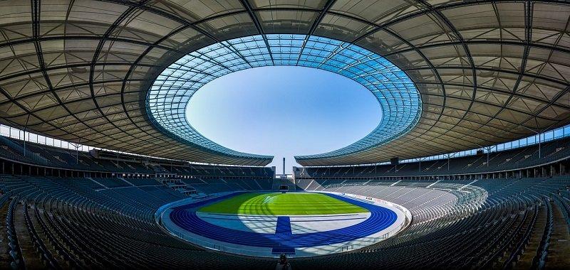 Pusty stadion sportowy