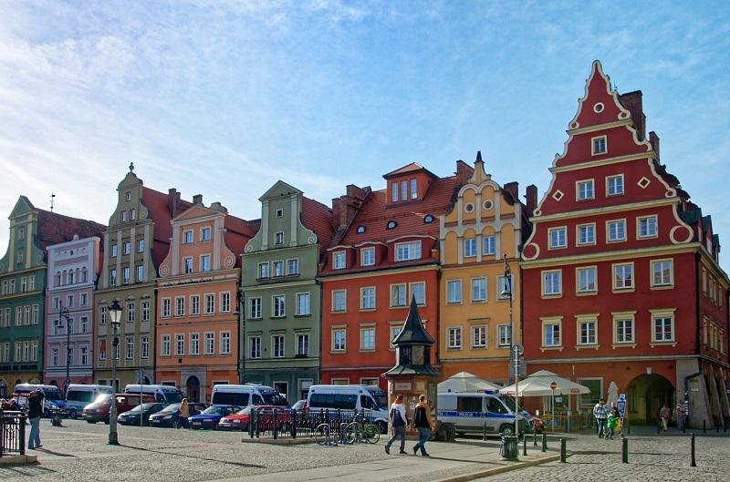 Kamienice na Rynku Miasta Stu Mostów