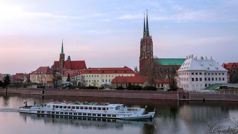 Widok na Ostrów Tumski we Wrocławiu